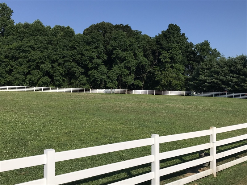 Real Estate Photography - 85 Rolling Green Ln, Elkton, MD, 21921 - Buy w/ adjacent lot, fenced & ready for horses!