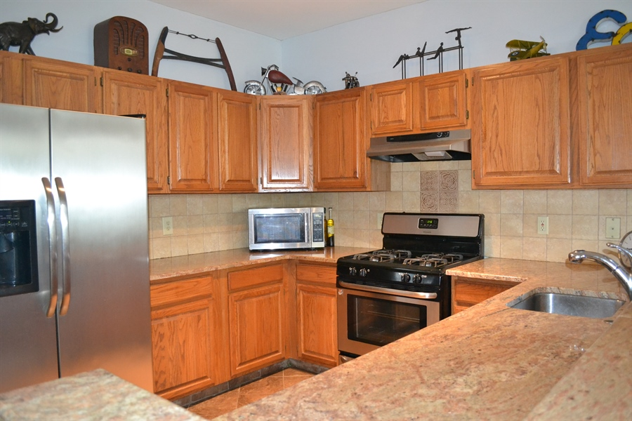 Real Estate Photography - 136 Shinn Cir, Wilmington, DE, 19808 - Stainless Appliances