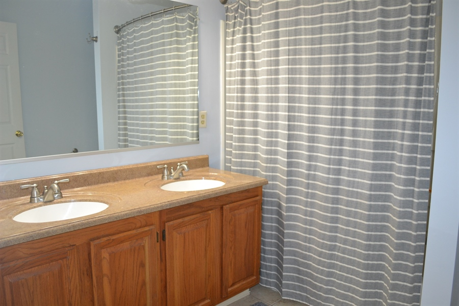 Real Estate Photography - 136 Shinn Cir, Wilmington, DE, 19808 - Two Sinks in Owner's Bath