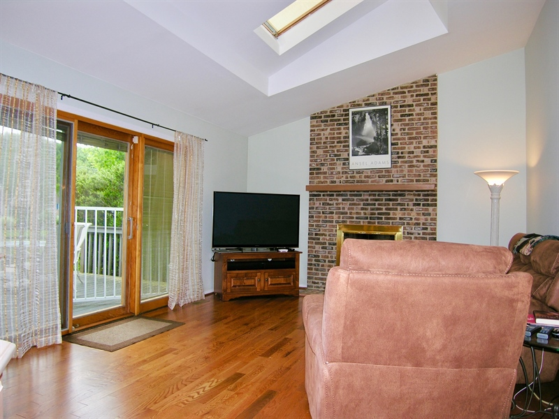 Real Estate Photography - 135 Belmont Dr, Wilmington, DE, 19808 - Family Room vaulted ceiling, skylights