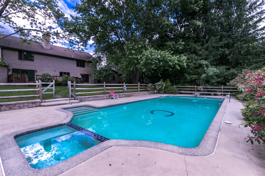 Real Estate Photography - 917 Roundelay Ln, West Chester, PA, 19382 - Location 23