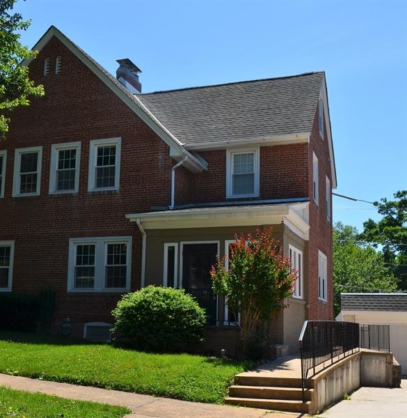 Real Estate Photography - 604 Harrington St, Wilmington, DE, 19805 - Location 1