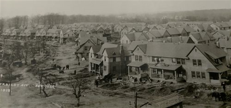 Real Estate Photography - 604 Harrington St, Wilmington, DE, 19805 - UPG in 1918