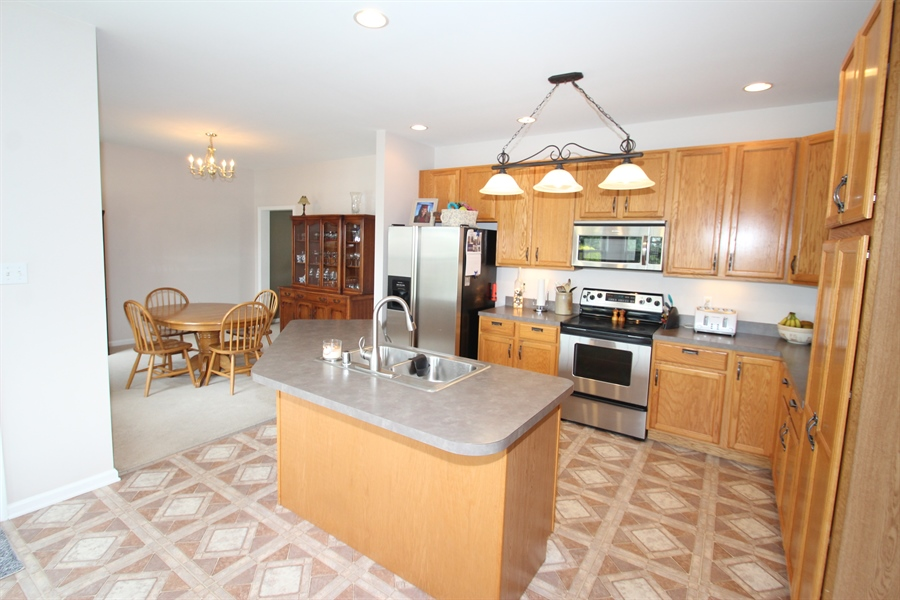 Real Estate Photography - 302 Red Cedar Ln, Bear, DE, 19701 - Kitchen