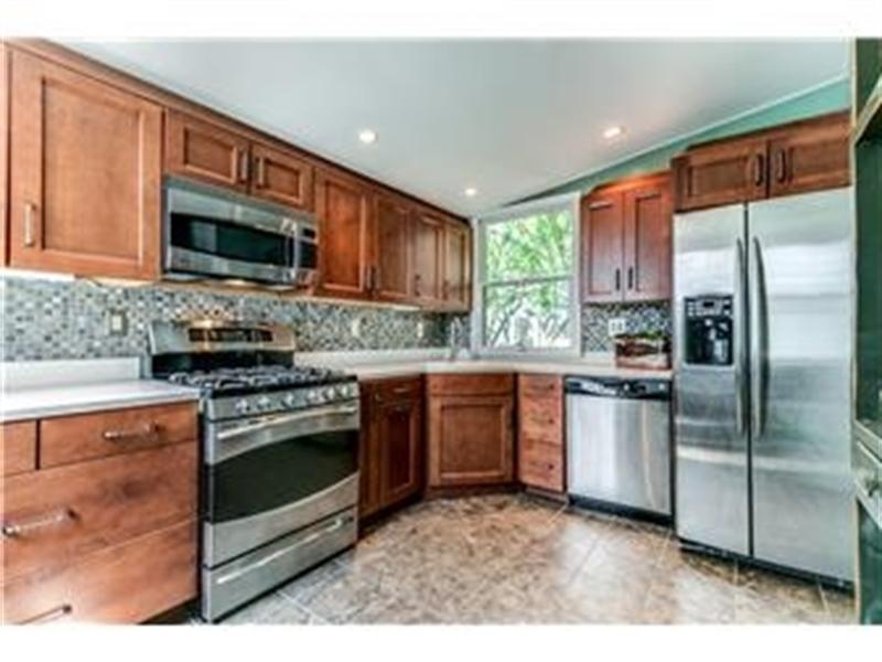 Real Estate Photography - 1524 Clinton St, Wilmington, DE, 19806 - Update Kitchen