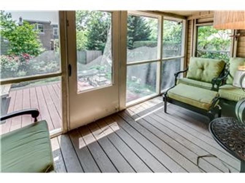 Real Estate Photography - 1524 Clinton St, Wilmington, DE, 19806 - Rear Porch