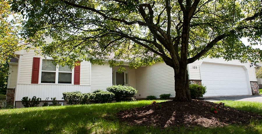 Real Estate Photography - 103 W Cobblefield Ct, Newark, DE, 19713 - Welcome to 103 W Cobblefield Ct