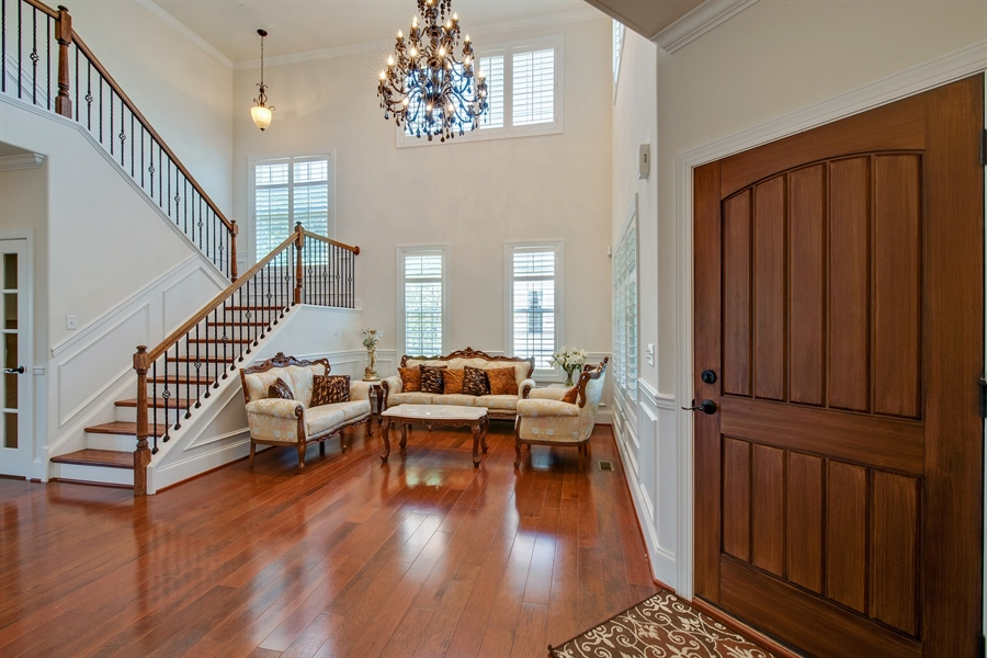Real Estate Photography - 515 Giada Drive, Wilmington, DE, 19808-1430 - Grand 2-story entrance with sitting area