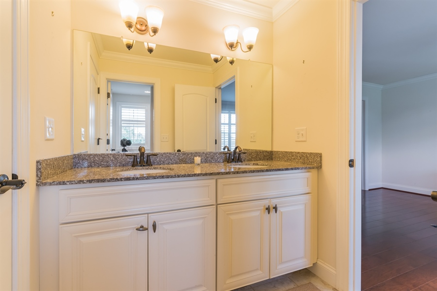Real Estate Photography - 515 Giada Drive, Wilmington, DE, 19808-1430 - Upgraded Jack-n-Jill bath with large vanity