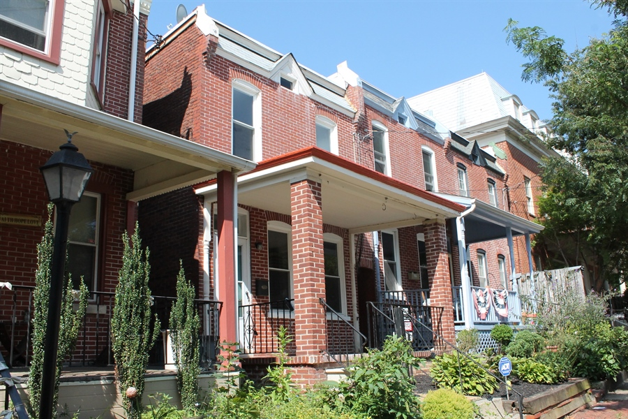 Real Estate Photography - 218 W 17th St, Wilmington, DE, 19802 - Location 1