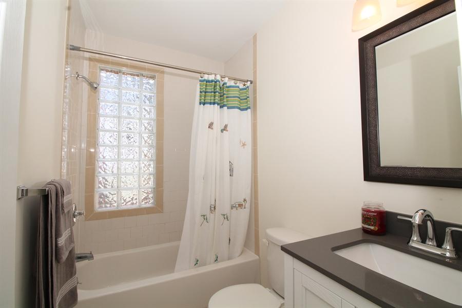 Real Estate Photography - 218 W 17th St, Wilmington, DE, 19802 - 2nd floor bathroom