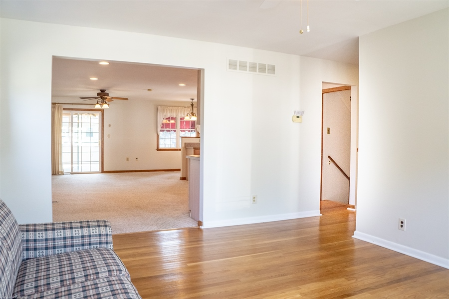 Real Estate Photography - 108 Rolling Dr, Newark, DE, 19713 - Lots of natural light here