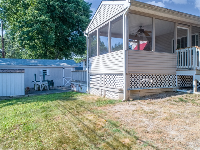 Real Estate Photography - 108 Rolling Dr, Newark, DE, 19713 - Screened porch, 16 x 12,  carpeted
