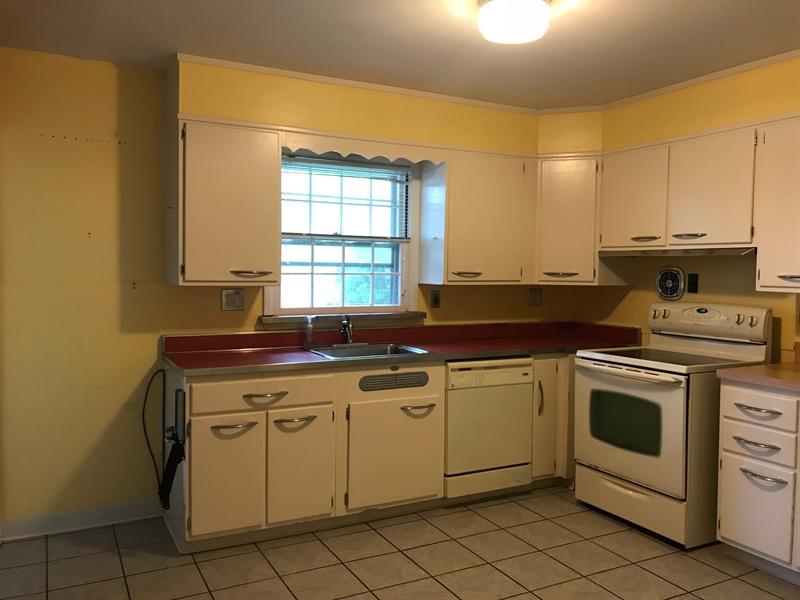 Real Estate Photography - 408 Crest Rd, Wilmington, DE, 19803 - Location 3