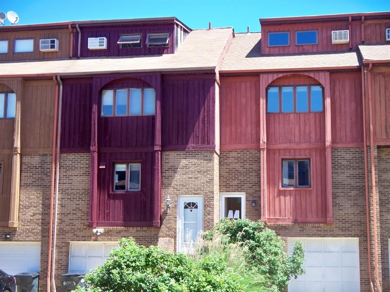 Real Estate Photography - 21 Servan Ct, Wilmington, DE, 19805 - Location 1