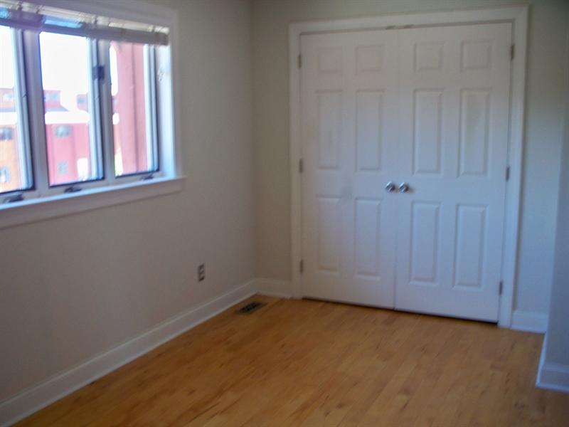Real Estate Photography - 21 Servan Ct, Wilmington, DE, 19805 - Second Bedroom