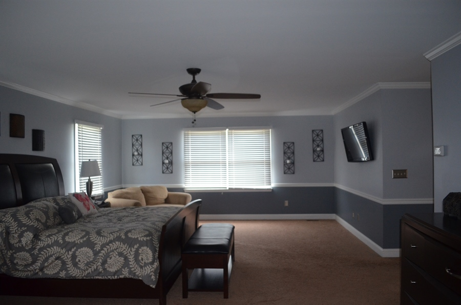 Real Estate Photography - 9 Winterbridge Ct, Newark, DE, 19711 - Master bedroom w/sitting area