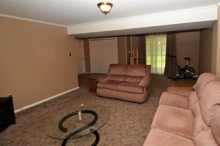 Real Estate Photography - 2210 Lancashire Dr, Wilmington, DE, 19810 - Family Room