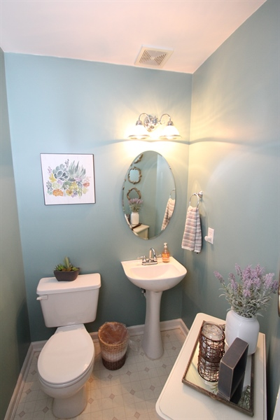 Real Estate Photography - 3 Hibiscus Dr, Newark, DE, 19702 - Powder Room