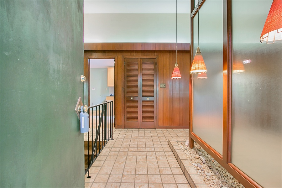 Real Estate Photography - 40 Indian Field Rd, Wilmington, DE, 19810 - Welcoming Entrance