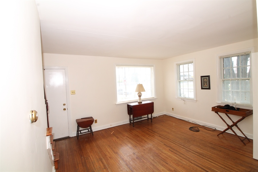 Real Estate Photography - 5 N Mary St, Wilmington, DE, 19804 - Location 5