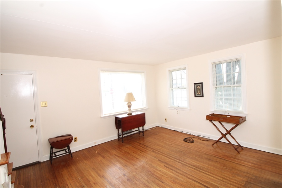Real Estate Photography - 5 N Mary St, Wilmington, DE, 19804 - Location 6