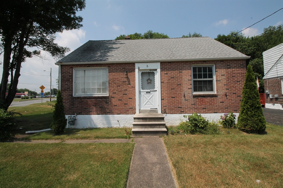 Real Estate Photography - 5 N Mary St, Wilmington, DE, 19804 - Location 12