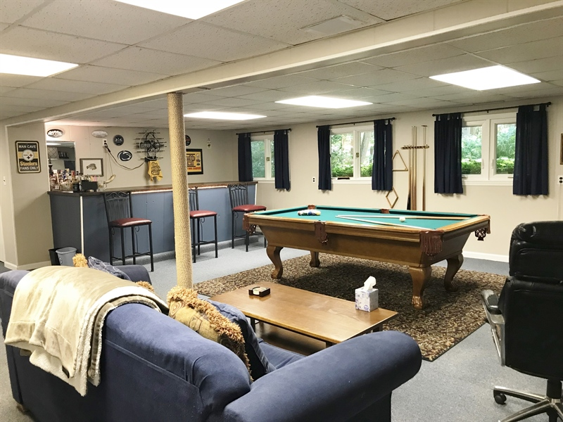 Real Estate Photography - 1 Heather Hill Ln, Elkton, MD, 21921 - Family Rm. eating area
