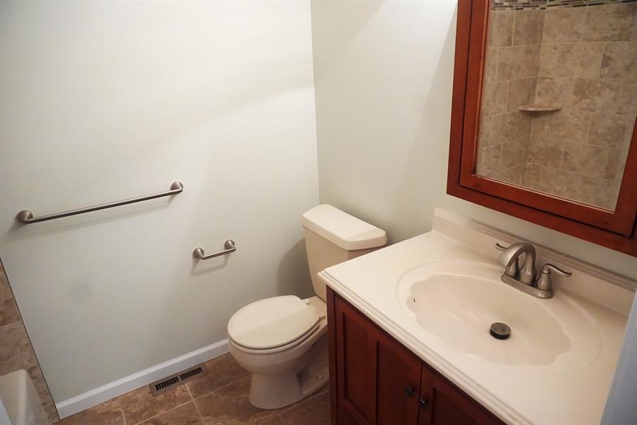 Real Estate Photography - 331 Ware Rd, Newark, DE, 19711 - MB Full Bath