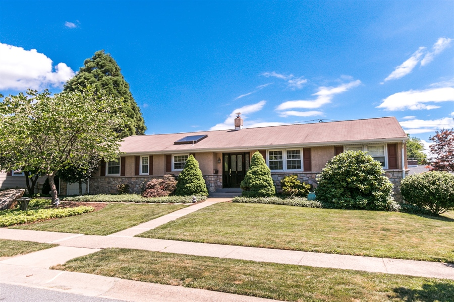 Real Estate Photography - 5 Wheatfield Dr, Wilmington, DE, 19810 - Welcome to 5 Wheatfield Drive