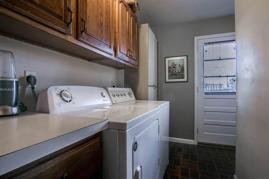 Real Estate Photography - 5 Wheatfield Dr, Wilmington, DE, 19810 - Laundry Room (M)