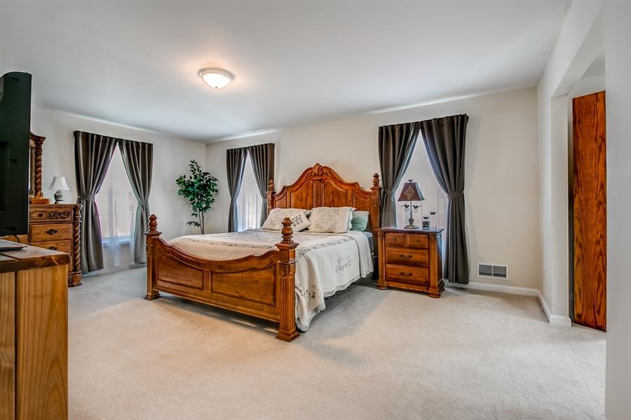 Real Estate Photography - 12 Oak Ave, # A, Newark, DE, 19711 - Large Owners Bedroom