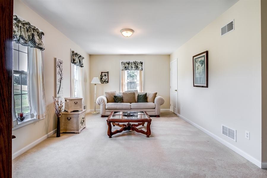 Real Estate Photography - 12 Oak Ave, # A, Newark, DE, 19711 - Owners Sitting Room or easily converts to 5th BR