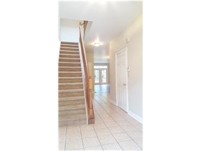 Real Estate Photography - 110 Vineyards Ct, Wilmington, DE, 19810 - Foyer into House