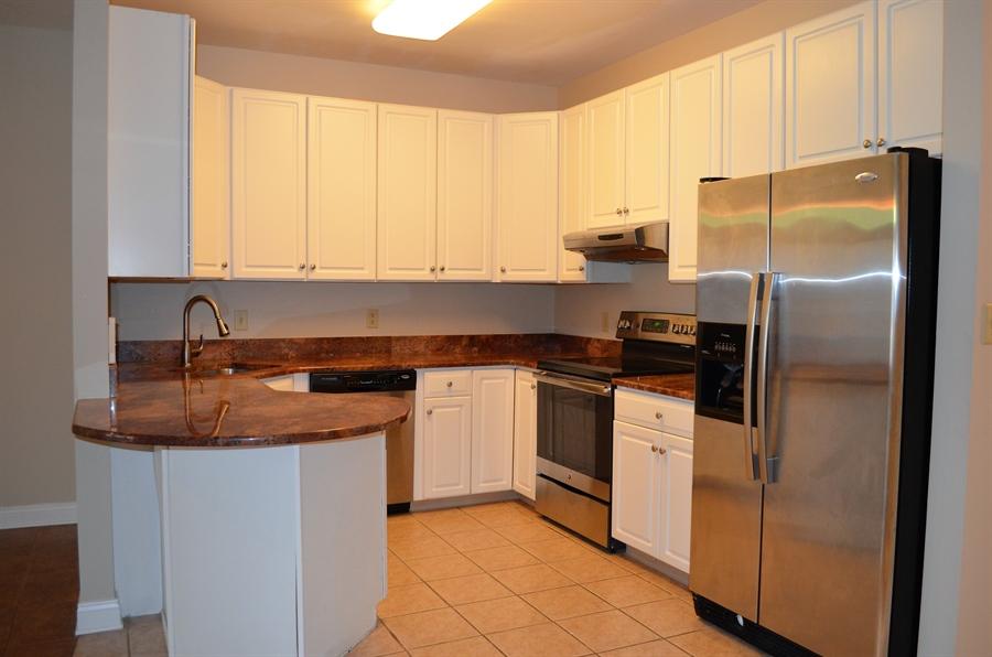Real Estate Photography - 110 Vineyards Ct, Wilmington, DE, 19810 - Kitchen w Granite & SS Appliances