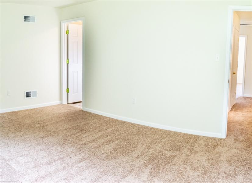 Real Estate Photography - 137 Ben Blvd, Elkton, DE, 21921 - Direct access to full 4 piece bath