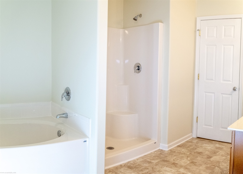 Real Estate Photography - 137 Ben Blvd, Elkton, DE, 21921 - Soaking tub and separate shower