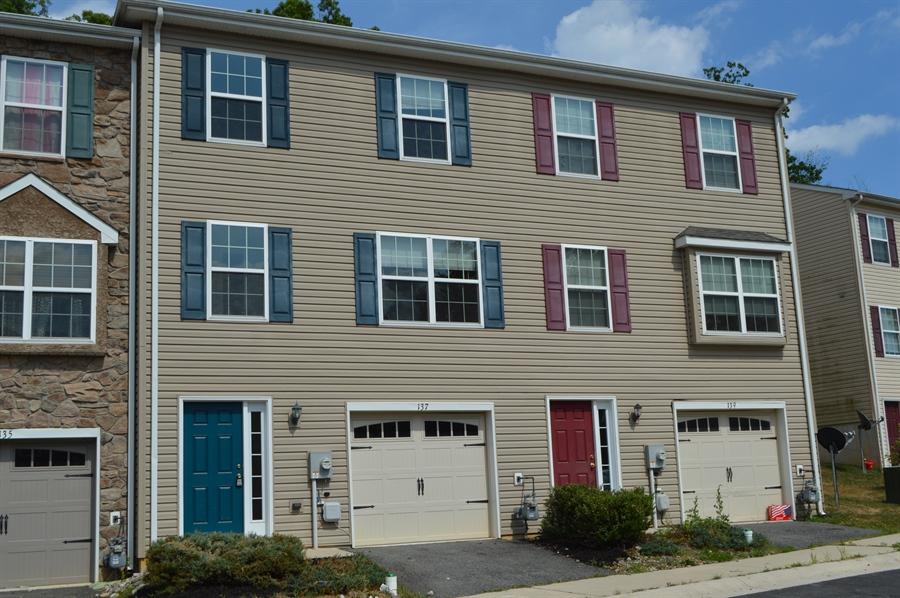 Real Estate Photography - 137 Ben Blvd, Elkton, DE, 21921 - New automatic garage door opener