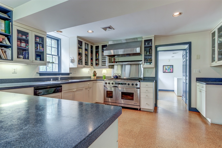 Real Estate Photography - 401 Twaddell Mill Rd, Wilmington, DE, 19807 - Location 9