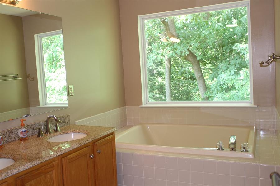 Real Estate Photography - 203 Thomas Ln S, Newark, DE, 19711 - Master w/ double vanity, stall shower, soaking tub