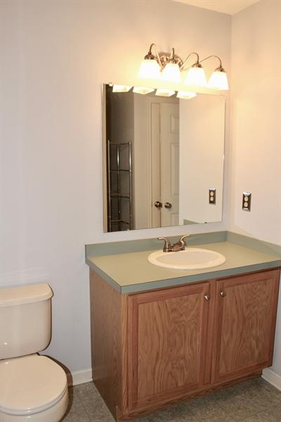 Real Estate Photography - 203 Thomas Ln S, Newark, DE, 19711 - Full bath w/ tub- second bedroom-on suite