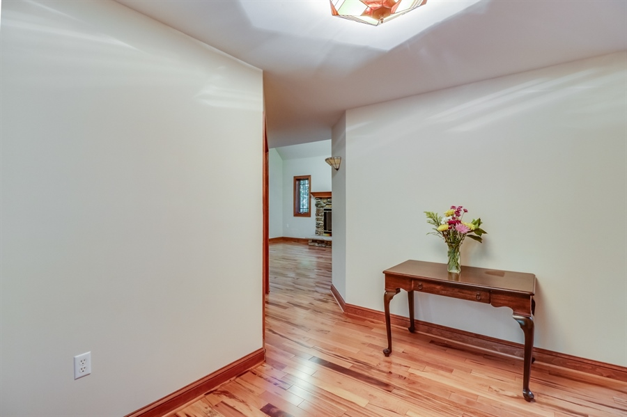 Real Estate Photography - 181 Proctors Purchase Rd, Hartly, DE, 19953 - Inviting foyer