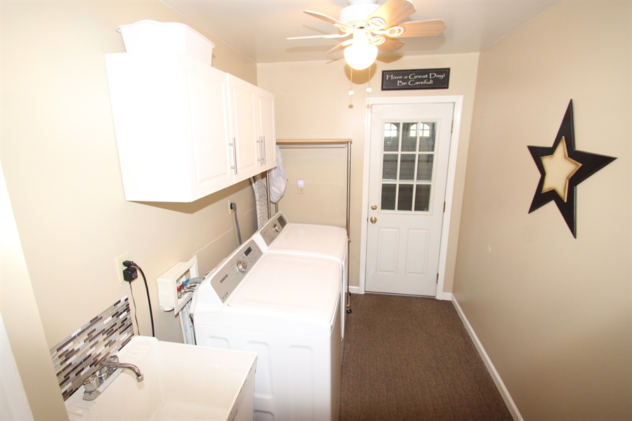 Real Estate Photography - 200 Park Ave, New Castle, DE, 19720 - Laundry Room