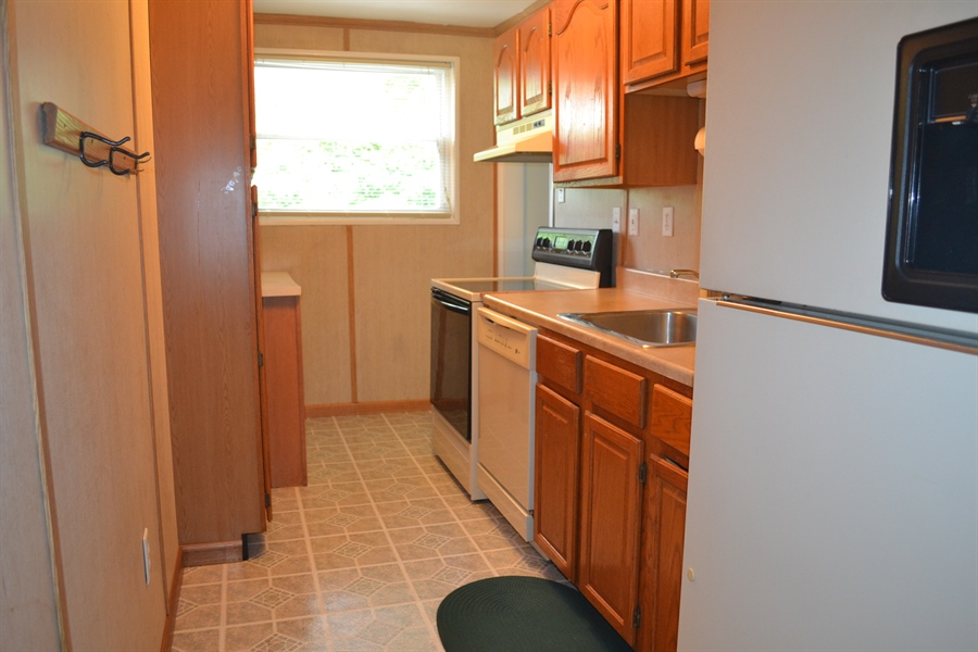 Real Estate Photography - 55 Madison Dr, Newark, DE, 19711 - Kitchen 2nd View