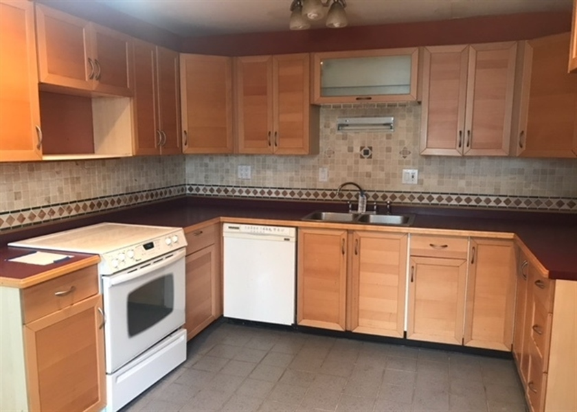 Real Estate Photography - 823 Elkton Rd, Newark, DE, 19711 - Location 2