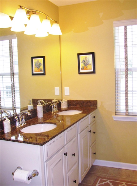 Real Estate Photography - 661 Barrie Road, Middletown, DE, 19709 - Luxurious Upgraded Master Ensuite