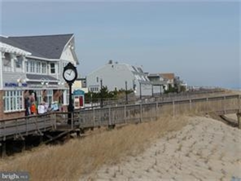 Real Estate Photography - 511 Island House Rd, Bethany Beach, DE, 19930 - Walk to Town & Boardwalk