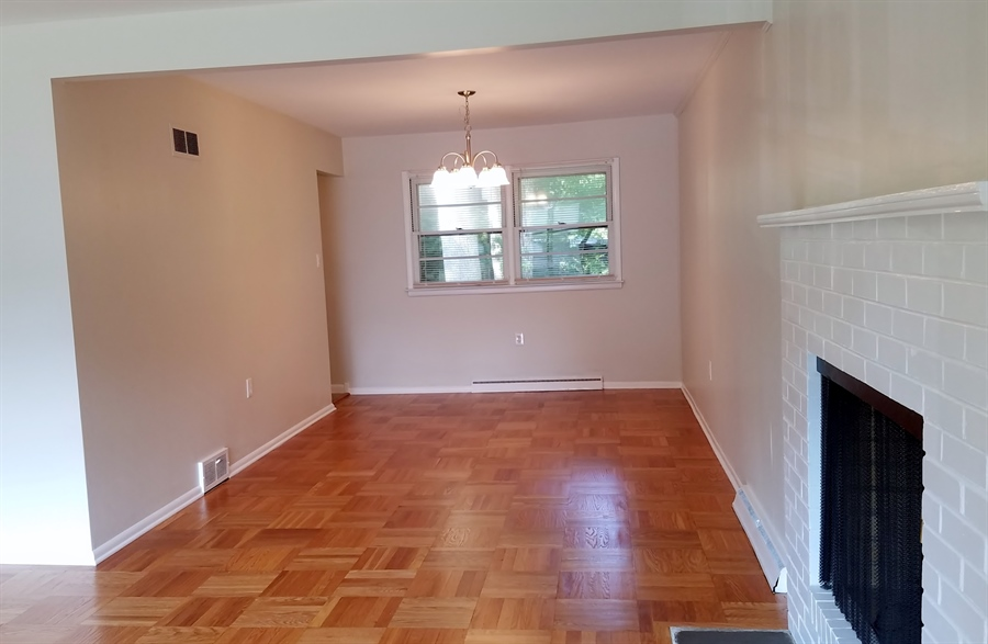 Real Estate Photography - 1418 Fresno Rd, Wilmington, DE, 19803 - Large Expandable Dining Room