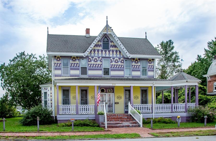 Real Estate Photography - 215 N Cass St, Middletown, DE, 19709 - Circa 1885