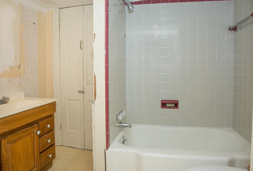 Real Estate Photography - 215 N Cass St, Middletown, DE, 19709 - 2nd floor bathroom